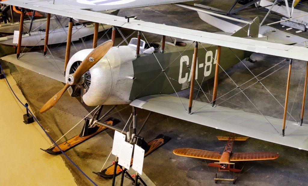 Cientos de aviones históricos en los museos de aviación de Finlandia